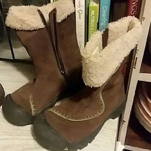Keen winter boots youth size 13